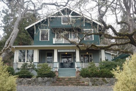 Touvellehouse- Located in Jacksonville Oregon